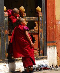 novice monks, monastery & flipflops