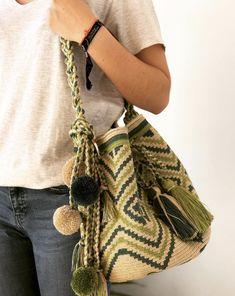 Crochet Tablecloth Pattern, Tapestry Crochet Patterns, Crochet Stitches, Knit Crochet, Mochila Crochet, Quirky Girl, Crochet Bag Tutorials, Tapestry Bag, Tote Pattern