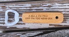 Bieröffner (a bia)     GUFRU Bamboo Cutting Board, Wood Ideas, Beer, Plants