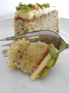 HCB: Sicilian Pistachio Cake — SweetBites - One Decoration Italian Cake, Italian Desserts, Just Desserts, Delicious Desserts, Italian Pastries, Italian Cookies, Baking Recipes, Cake Recipes, Dessert Recipes