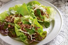Looking for exciting ways to prepare chicken mince? Look no further than this aromatic chicken larb! Chicken larb in lettuce cups Chicken Lettuce Cups, Thai Chicken, Sweet Chilli Sauce, Dinner Dishes, Asian, Different Recipes, Main Meals, Family Meals, Kitchens
