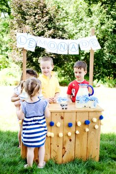 Childrens Lemonade Stand via the sweetest occasion