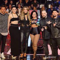 Demi Lovato on The Voice Australia with the judges Jessie J The Voice, Ricky Martin, Celebs, Celebrities, Demi Lovato, Pretty Little Liars, Celebrity Photos, Selena Gomez, Role Models
