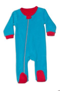 Nino Bambino's Super Soft, Anti Pill, Micro Polar Fleece Body is 100% Polyester Full Sleeve Romper. This product is best suitable for little babies and kids who can be covered in cold weather, keeping them comfortable and warm. - See more at: http://www.ninobambino.in/Romper/Side-Zipper-Romper-id-1124205.html#sthash.JVu2kG6Z.dpuf