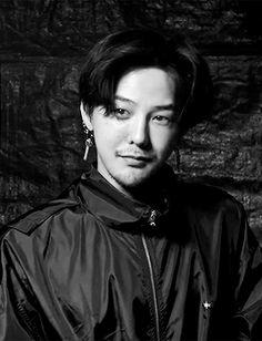 Novo post no asianfashionphotographs Seungri, Gd Bigbang, G Dragon Cute, G Dragon Top, Bigbang G Dragon, Magazine Cosmopolitan, Instyle Magazine, Ji Yong, Jung Yong Hwa