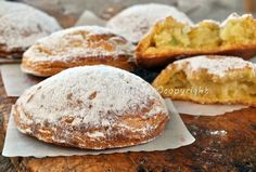 Frolle napoletane, ricetta originale, foto passo passo, dolci tipici, dolci tradizionali napoletani, ricetta facile, veloce, semolino, ricotta, canditi, pasticceria