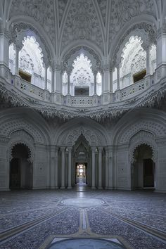 Sumptuous Abandoned Castel Photography – Fubiz Media