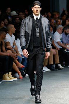 2015 S/S Paris 지방시 (Givenchy)