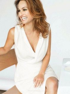 Love the laughing off to the side and the soft feel of this one. Women In Leadership, Giada De Laurentiis, Pretty Outfits, Pretty Clothes, Celebrity Look, Celebs, Celebrities, Beautiful Smile, Beautiful Actresses