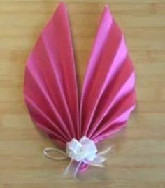 pliage de serviette fleur de lotus http www. Black Bedroom Furniture Sets. Home Design Ideas