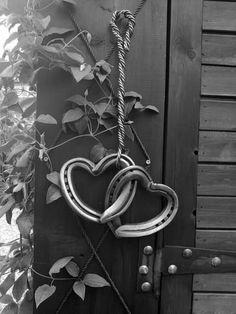 welder for horseshoe art – MIG Welding x Horseshoe Projects, Horseshoe Crafts, Horseshoe Art, Horseshoe Ideas, Horseshoe Decorations, Horseshoe Wedding, Horse Decorations, Horseshoe Wreath, Horseshoe Necklace