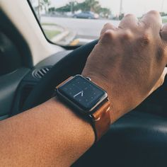 Rustic tan leather strap for Apple Watch Sport (space grey). Apple Watch Space Grey, Apple Watch Bands 42mm, Cool Watches, Fashion Watches, Tan Leather, Swatch, Gadgets, Mens Fashion, Technology