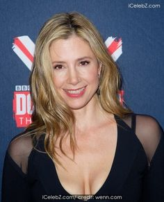 Mira Sorvino BBC America's Doctor Who Premiere fan screening event at the Ziefeld Theater http://icelebz.com/events/bbc_america_s_doctor_who_premiere_fan_screening_event_at_the_ziefeld_theater/photo5.html