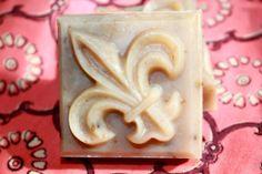 fleur de lis soap. Lavender, Vanilla & Oats