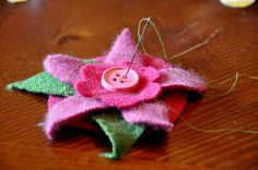 Upcycled: directions on how to turn wool sweaters into felt flowers (something else I don't have time to do - grrr)