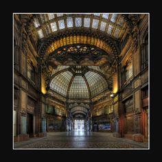 eros-dikaios: Paris Arcade in Budapest by Pascal