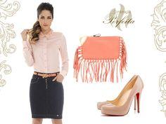 Dica de look da Base Café! Linda produção, saia jeans e camisa rosê.