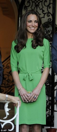 Princesa Kate Middleton, Style Work, Her Style, Kate Middleton Stil, Duchesse Kate, Herzogin Von Cambridge, Emerald Green Dresses, William Kate, Prince William