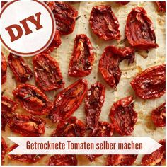 Tomaten selber trocknen – Ob pur als Snack, in Öl eingelegt oder zu Pesto Rosso… Dry tomatoes yourself – whether as a pure snack, in oil or processed into pesto rosso: Dried tomatoes are something fine. Healthy Life, Healthy Snacks, Healthy Recipes, Diy Snacks, Dried Tomatoes, Diy Food, Eating Habits, Clean Eating, Snack Recipes