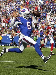 Buffalo Bills quarterback Tyrod Taylor (5) runs for