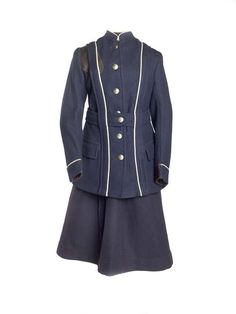 Uniform for the London General Omnibus Company, 1916-18. Museum of London.