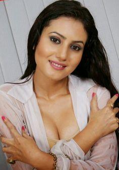 Indian hot actress sexy pictures : South Indian actress sexy boobs and sexy navel images South Indian Actress Hot, Indian Film Actress, Beautiful Indian Actress, Indian Actresses, Cleavage Hot, Desi Masala, Malayalam Actress, Beautiful Gorgeous, Hot Actresses