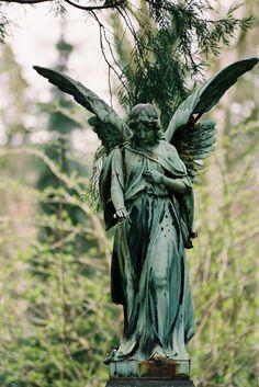 Angel on Ohlsdorfer Cemetary, Hamburg, Germany Cemetery Angels, Cemetery Statues, Cemetery Art, Angel Statues, Angels Among Us, Angels And Demons, I Believe In Angels, Angels In Heaven, Heavenly Angels