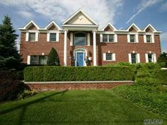 Gorgeous Home on Long Island for Sale