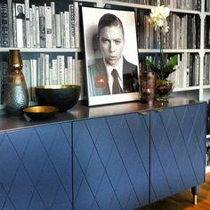 h[emma]gjord - Ny kostym till ditt IKEA-skåp Ikea Living Room, Living Room Cabinets, Interior Design Living Room, Living Room Inspiration, Interior Inspiration, Home Furniture, Furniture Design, Hacks Ikea, Contemporary Cabinets