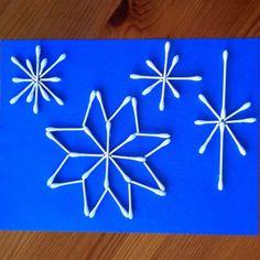 #knutselen, kinderen, basisschool, kerst, winter, sneeuwvlok van wattenstaafjes (alleen foto), #craft, DIY, children, snowstar made from q-tip, winter, x-mas, christmas