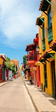 Colores mágicos de la Fantástica.  Callecitas de Cartagena.