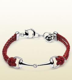 Gucci - red leather bracelet with horsebit Gucci Jewelry, Fashion Jewelry, Women Jewelry, Jewellery Earrings, Women's Fashion, Horse Jewelry, Animal Jewelry, Looks Country, Jewelry Trends