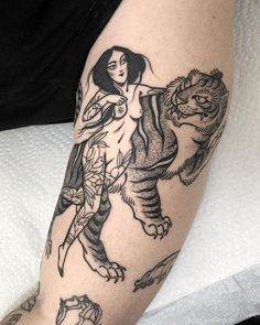 Retro Tattoos, Pin Up Tattoos, Great Tattoos, Unique Tattoos, Beautiful Tattoos, Tatoos, Tiger Tattoo Thigh, Forearm Tattoo Men, Cat Tattoo