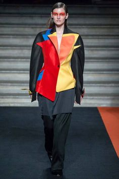 Thomas Tait | Fall 2014 Ready-to-Wear Collection | Bauhuas fashion references, and ballet Russe