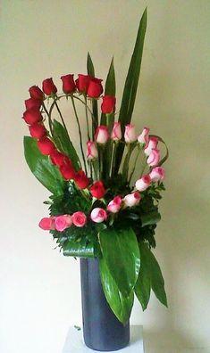 Rosen Arrangements Ideen - All About Church Flowers, Funeral Flowers, Wedding Flowers, Send Flowers, Mothers Day Flowers, Ikebana, Rosen Arrangements, Floral Arrangements, Beautiful Flower Arrangements