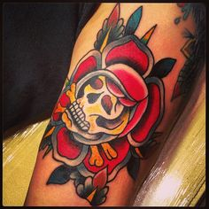 Mario Desa Traditional Tattoo, Skull, Tattoos, Mario, January, Awesome, Tattoo Traditional, Tatuajes, Tattoo
