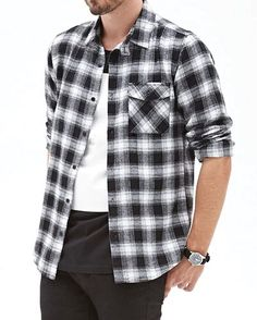 Offering premium comfort Black And Ash Plaid Flannel Shirts Manufacturers in Canada and Australia at wholesale prices on bulk purchase from biggest Uniform supplier Oasis Uniform. Red Flannel Shirt, Flannel Outfits, Mens Flannel, Flannel Clothing, Black Plaid, Clothing Company, Stylish Men, Shirt Sleeves, Man