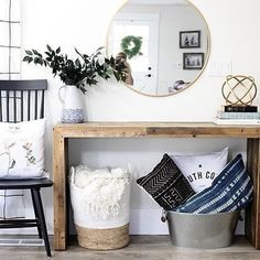 Find Here 43 Amazing Farmhouse Foyer Decorating Ideas That Will Amaze You Rustic Farmhouse Entryway, Modern Farmhouse, Farmhouse Ideas, Farmhouse Design, Farmhouse Style, Entryway Decor, Bedroom Decor, Enterance Decor, Entryway Ideas