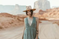 Explorer Archetype | 50 best free human, grey, accessory and brown photos on Unsplash Brand Archetypes, Ways To Be Happier, Ethical Brands, Photography Branding, Creating A Brand, Couple Portraits, New Friends, Cool Things To Make, Grey