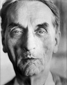 Johann Fischer (1919-2008), fotografiert 1993. #artbrut #gugging Foto (c) Martin Vukovits Art Brut, Lee Jeffries, Caricature