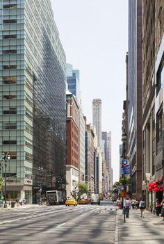 Las calles de #NuevaYork, la Ciudad que Nunca Duerme. Postal de una de las localidades más pobladas y con mayor actividades del mundo. http://www.bestday.com.mx/Nueva-York-City-area/ReservaHoteles/