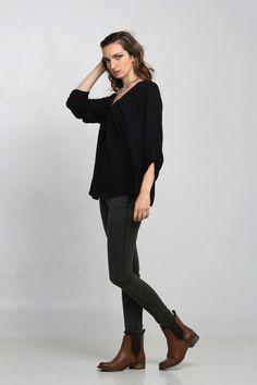 #moda #fashion #ropa #indumentaria #tendencia #otono #invierno #ponchos #abrigos #lana #blusas #remeras #camisas #LaFederica www.la-federica.com.ar