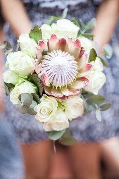 A South African couple infuse their elegant marquee wedding with proteas and other touches of the wild (Pics: Vanilla Photography) Protea Wedding, Bush Wedding, Vintage Wedding Flowers, Wedding Bells, Flora Botanica, Protea Bouquet, Phuket Wedding, South African Weddings, Church Flowers