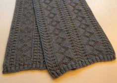 Gift for men: knitted scarf, free knitting pattern More