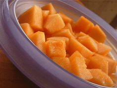 How Many Calories in a Cantaloupe - The number of calories in a cantaloupe is actually quite small considering how delicious and sweet the fruit is. Cantaloupe Benefits, Cantaloupe Recipes, Cantaloupe Calories, Dessert Recipes, Desserts, Healthy Nutrition, Carrots, Number, Fruit