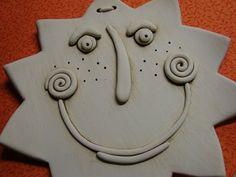 Slniečko- - Hobbies paining body for kids and adult Slab Pottery, Ceramic Pottery, Pottery Art, Clay Crafts For Kids, Kids Clay, Clay Art Projects, Ceramics Projects, Pottery Handbuilding, Clay Ornaments