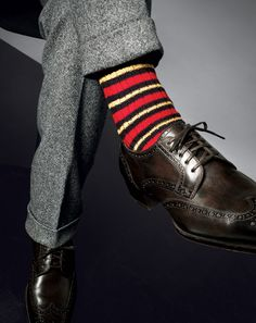 Sock It to Em Match Em Up—The Conservative Way. When choosing dress socks, the basic rule is to consider the suit instead of the shoe—in other words, if youre wearing a navy suit with black or brown shoes, reach for navy socks. Men's Fashion, Spring Fashion Outfits, Fashion Socks, Fashion Details, Daily Fashion, Fashion News, Sharp Dressed Man, Well Dressed Men, Sock Shoes