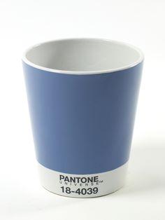 Vaso Pantone Serax | Coquelicot DesignColore, originalità, design: perfette combinazioni che creano il vaso Pantone. Adatto, in particolar modo, a contenere l'orchidea. Diametro cm 17,9cm x H 21 cm