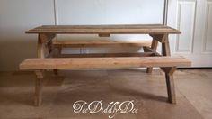DIY tutorial - picnic table Picnic Table Plans, Kids Picnic Table, Wooden Picnic Tables, Old Pallets, Recycled Pallets, Wooden Pallets, Pallet Wood, Wooden Pallet Furniture, Kids Furniture