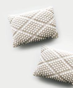 A full-service knitwear brand supporting maker + wearer – DeBrosse Crochet Pillow Patterns Free, Modern Crochet Patterns, Knit Patterns, Crochet Cushion Cover, Crochet Cushions, Crochet Pillow Covers, Knitted Pillows, Bobble Crochet, Bobble Stitch